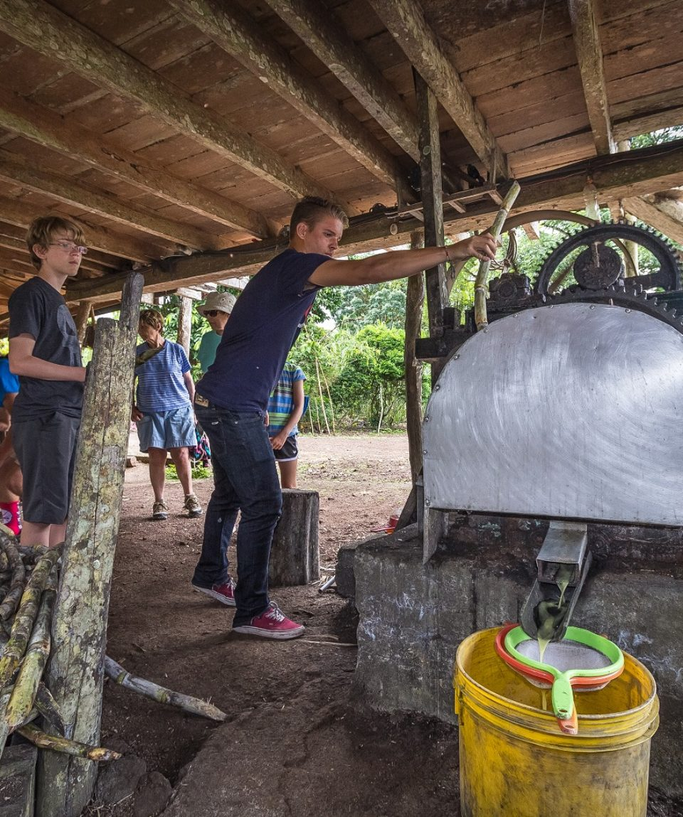 Galapagos Community Experience 7 Days