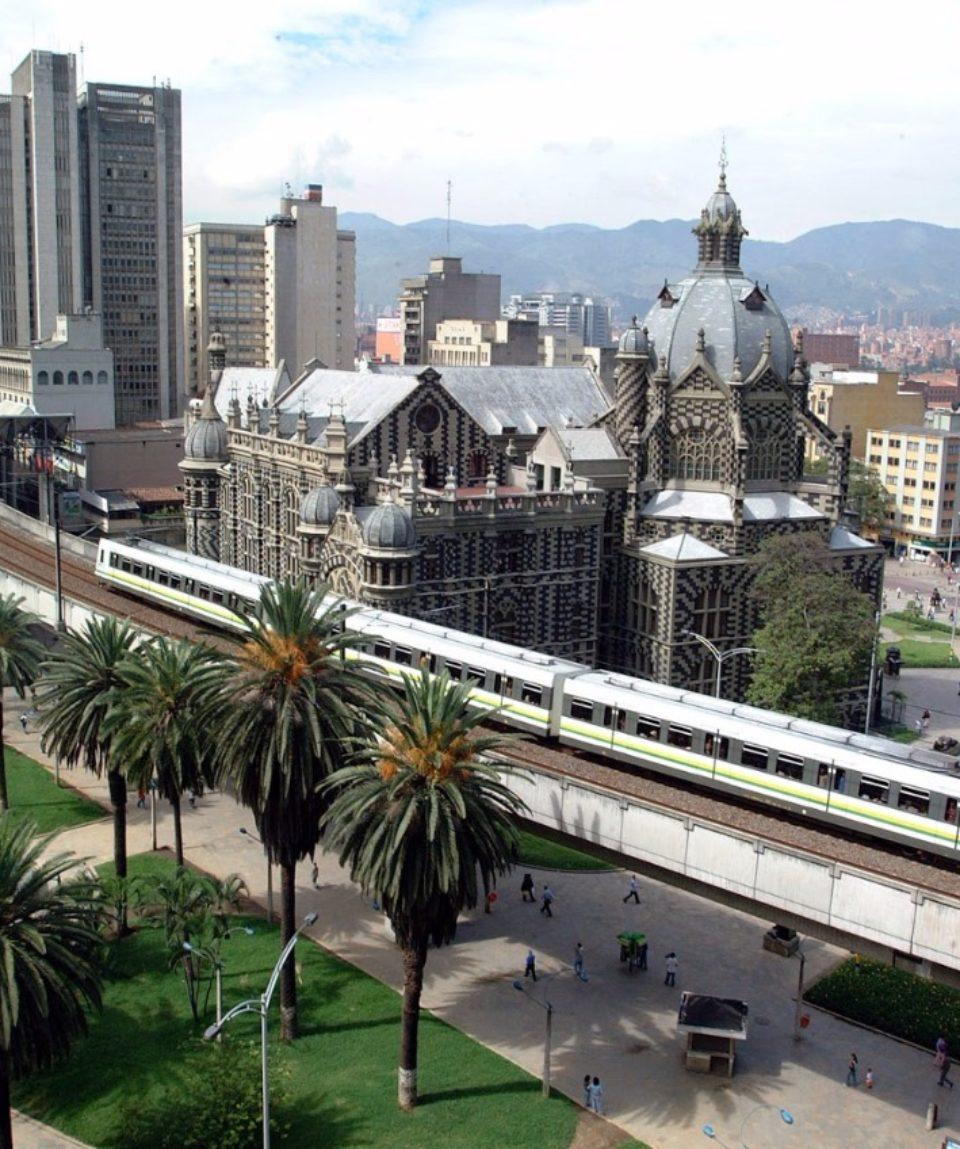 Colombia Quest Bogota, Villa de Leyva, Barichara, Medellin, Coffe Region and Cartag