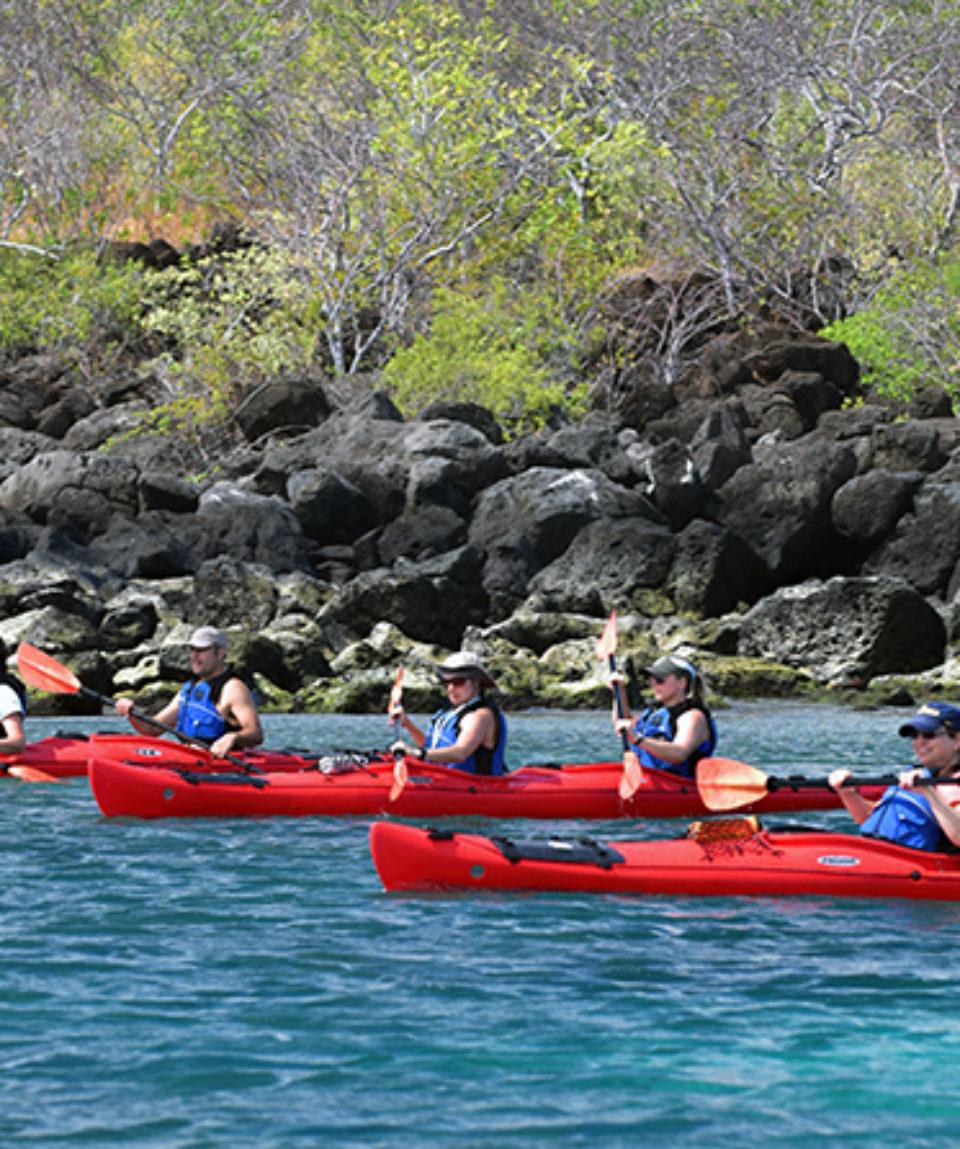 kayaking-people-galapagos-tours